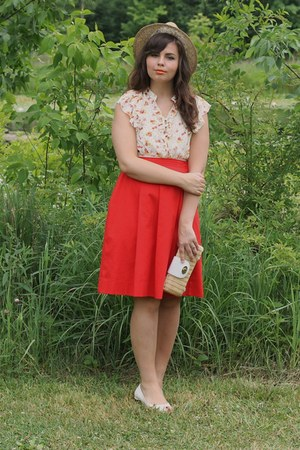 red thirfted skirt - tan thrifted hat - off white Forever21 blouse