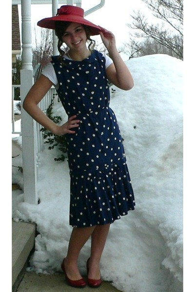Blue Dresses- Red Shoes- White Shirts- Red Hats - &quot-Seeing Spots ...