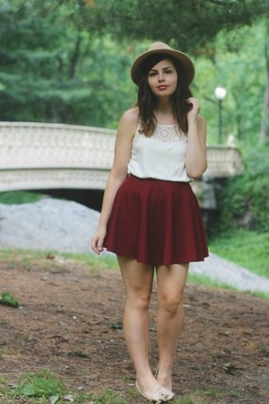 crimson OASAP skirt - tan brandy melville hat - beige Gap top