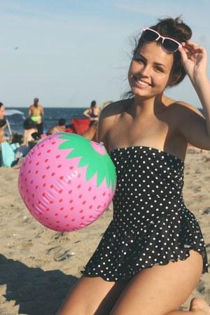 black thrifted suit - light pink Boohoo sunglasses