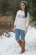 white Aeropostale sweater - light brown Old Navy boots