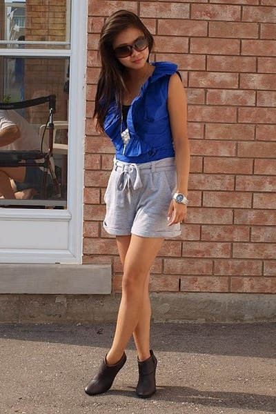 Costa Blanca blouse - Forever 21 shorts - Costa Blanca boots