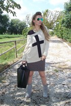 Zara bag - Promod boots - Ray Ban sunglasses - Bershka t-shirt