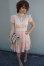 Pink-vintage-dress-nude-leather-shoes-urban-outfitters-purse