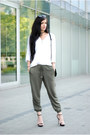 Dark-khaki-loose-h-m-pants-black-minimal-zara-sandals