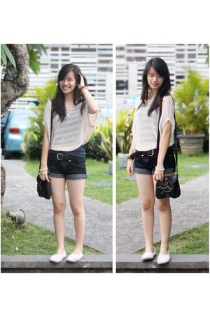 off white knitted top - navy basic top - ivory lacy rubi shoes