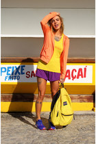 carrot orange DiCorpo jacket - yellow jansport bag - purple DiCorpo shorts