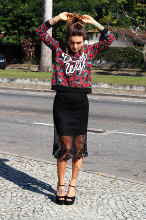 black Forever 21 skirt - ruby red floral print c&a coat - black VIZZANO sandals