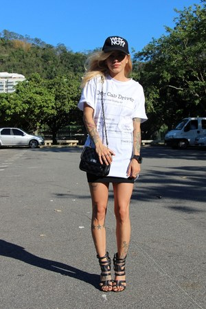 black Maresia hat - black Zara purse - white Jouer Couture t-shirt