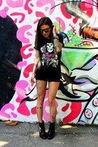 black Via Marte boots - black c&a shorts - black zeroUV sunglasses