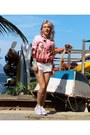 Pink-riachuelo-jacket-white-zimpy-shorts-light-purple-converse-sneakers