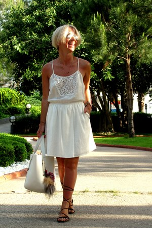 white Bershka bag - ivory Bershka dress - black pull&bear sandals
