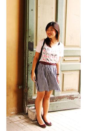 platinum t-shirt - thrifted skirt - belt - shoes
