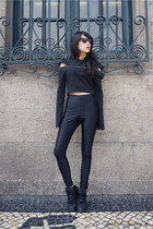 soulout JENN LEE top - Ray Ban glasses - American Apparel pants - nike sneakers