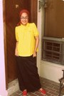 Red-shoes-red-scarf-yellow-blouse-black-skirt