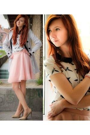 camel heels - light pink skirt