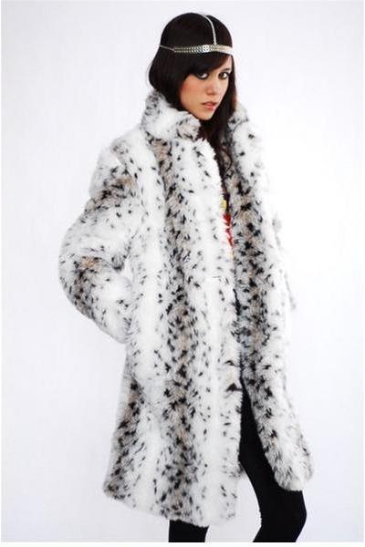 07acd1246b6e White Coats |