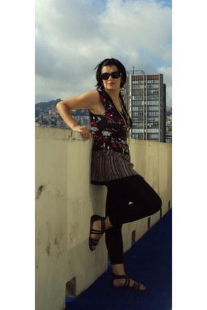 charcoal gray floral mini Promod dress - black long Promod leggings - black 5113