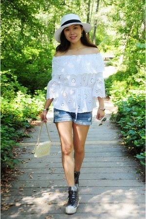 blue denim abercrombie and fitch shorts - white laced Taobao top