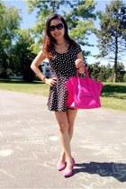 hot pink Celine bag - black dress - hot pink H&M pumps