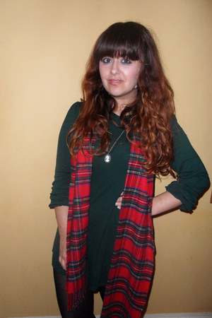 brick red asos scarf - dark green Topshop dress