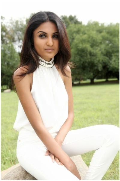 silk Zara blouse - skinny Bershka pants