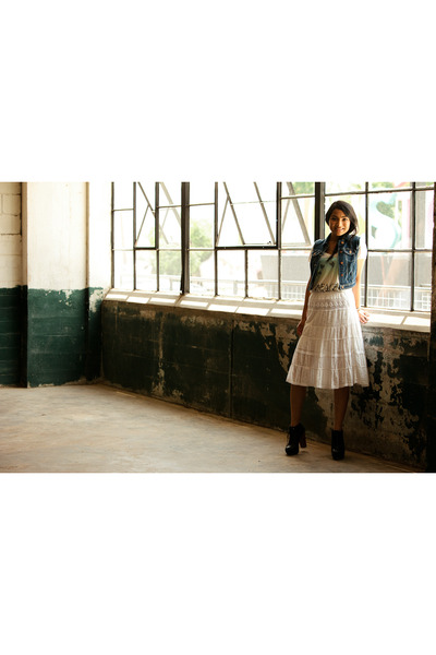 white skirt skirt - jean vest