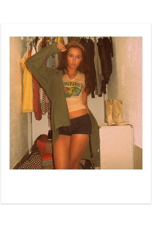 yellow Vintage Vans t-shirt - green vintage 60s jacket jacket - blue joyce lesli
