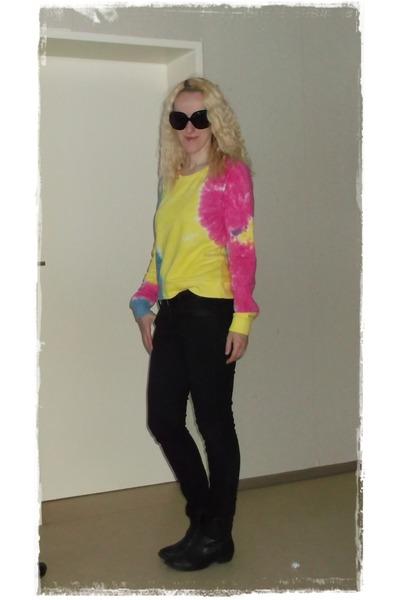 batik H&M sweater - black Deichmann boots - black skinny H&M jeans