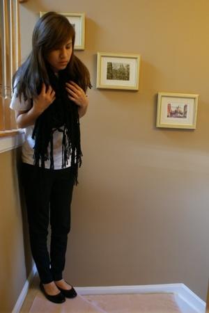 Hanes t-shirt - H&M scarf - Silence & Noise pants - flats