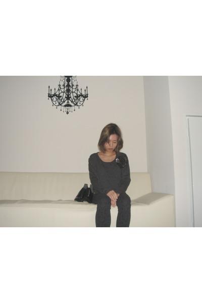 black Forever21 jeans - dark gray Balmain t-shirt - black Alexander Wang heels