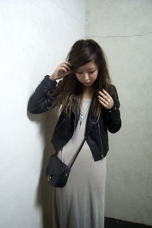 black H&M jacket - beige t by alexander wang dress - black vintage purse