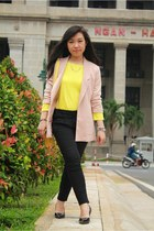yellow bag - beige blazer - black pants - amethyst bracelet - yellow t-shirt