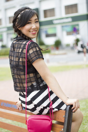 black Marc fashion top - hot pink Forever 21 bag - white Forever 21 skirt