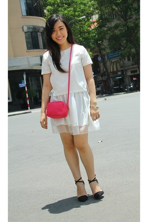 white Marc fashion t-shirt - hot pink H&M bag - black Zara heels
