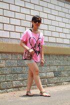 hot pink Victorias Secret t-shirt - off white Via Vai NY shorts