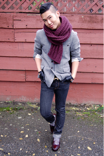 gray diesel black gold blazer - red H&M scarf - black wilfred gloves - blue Mosc