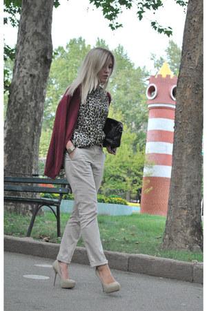 camel Zara heels - crimson Stradivarius cardigan - black Mango blouse