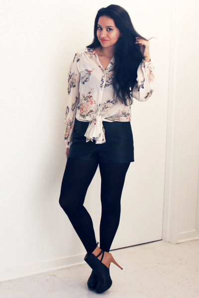 ivory floral romwe blouse - nude two toned Zara boots