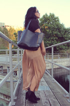 black ankle boots Zara boots - black romwe bag - camel Zara skirt