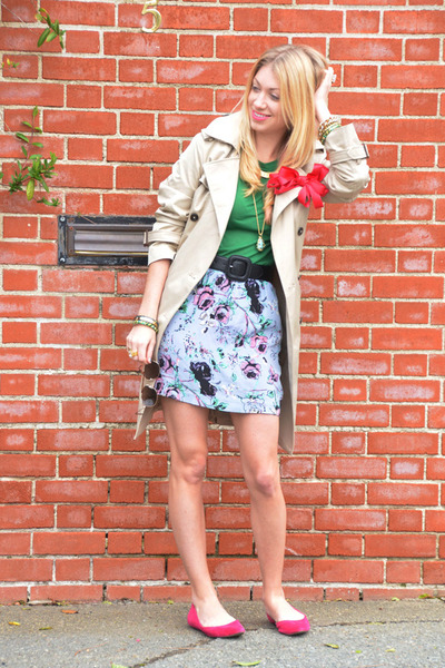 sky blue floral Urban Outfitters skirt - beige trench Joe Fresh coat