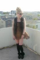 brown leopard vintage dress - black vintage shoes