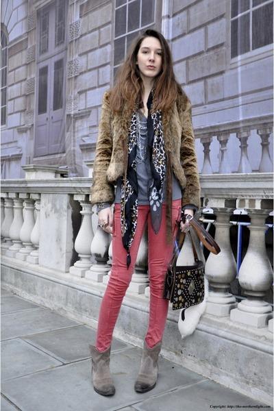 vintage boots - Topshop jeans - Zara jacket - vintage bag - martin margiela t-sh