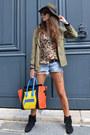 Black-minnetonka-boots-zara-hat-yellow-celine-bag
