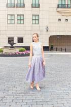 periwinkle Badgley Mischka skirt - beige Nine West heels