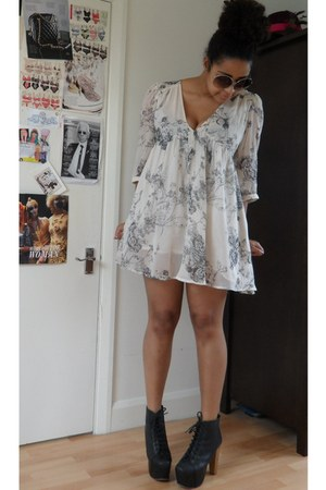 off white swing Topshop dress - black Jeffrey Campbell boots