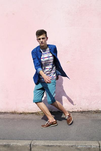 Topman t-shirt - denim shirt hollister shirt - teal shorts River Island shorts