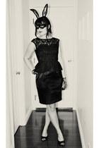 black lace gloves - black peplum lace London times dress