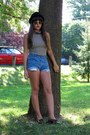 Thrifted-shoes-h-m-hat-diy-thrifted-levis-shorts-american-apparel-top