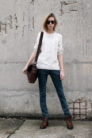 ivory knit Michael Stanley sweater - dark brown leather Zara boots